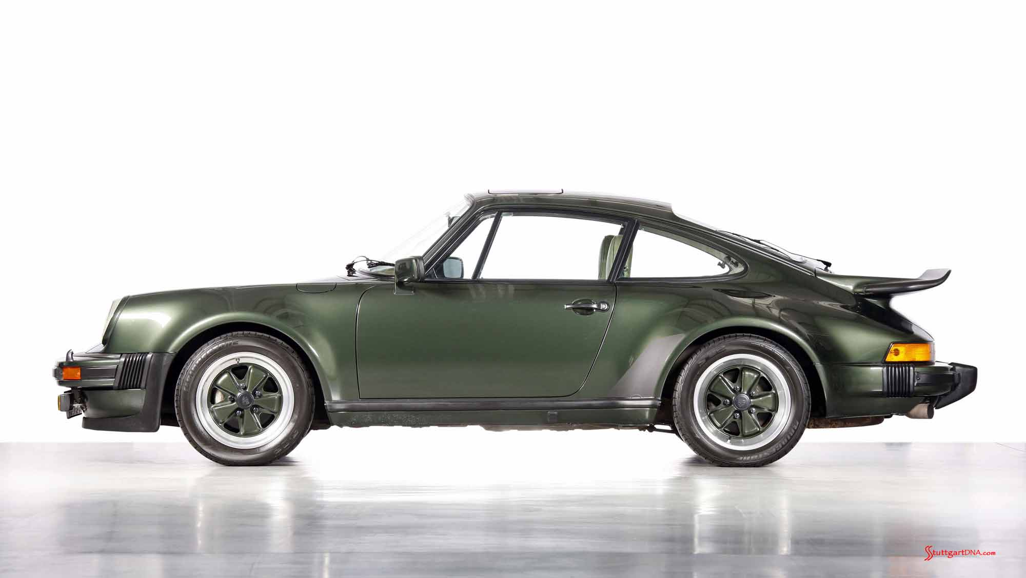 How to choose the best car insurance - Porsche supercars: 911 Turbo, 1973, right side. Credit: Porsche AG