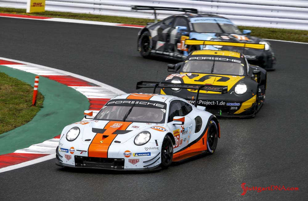 Porsche wins 2018 WEC Fuji 6 Hours: Pictured here is the Gulf Racing No. 86 Porsche 911 RSR out in front on the Fuji track. Credit: Porsche AG